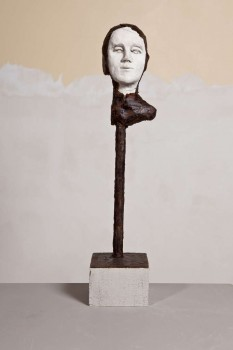 Untitled 2011 argile sèche cire 52x15x15 cm
